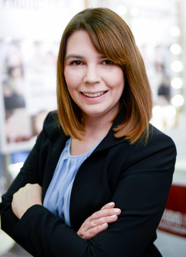 Janine Schramm - Personalreferentin für Stellenangebote in verschiedenen gewerblichen und kaufmännischen Bereichen