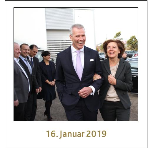 Ministerpräsidentin Malu Dreyer mit dem geschäftsführenden Gesellschafter der profine, Dr. Peter Mrosik